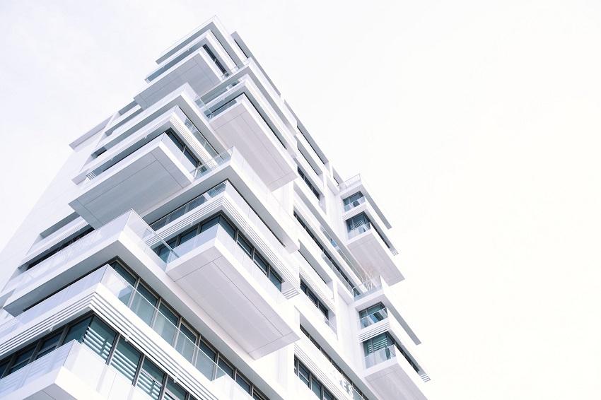 Ejemplos de Smart Contracts o contratos inteligentes en España